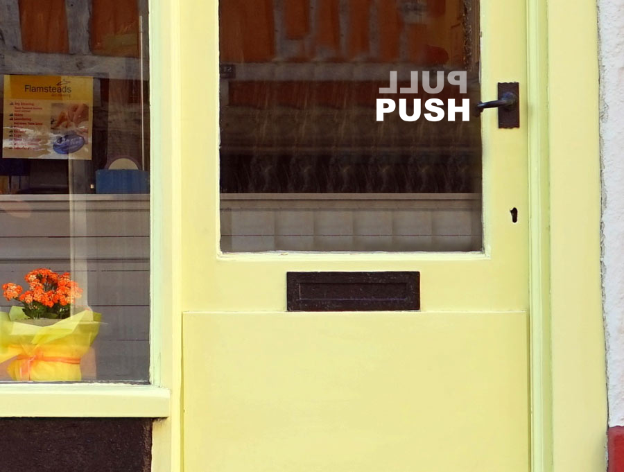 Sticker - Pull \ Push